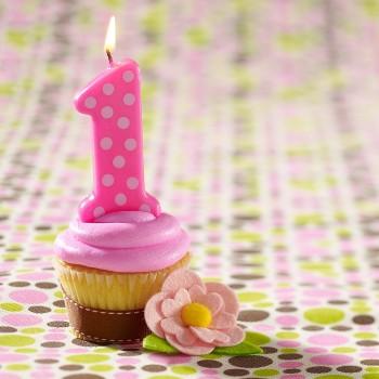 1 cupcake birthday.jpg