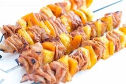 pinchos de jamon cocido piña y pimientos 2