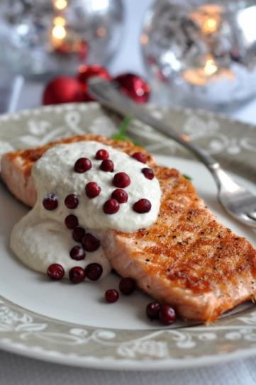 salmon con salsa de rabano