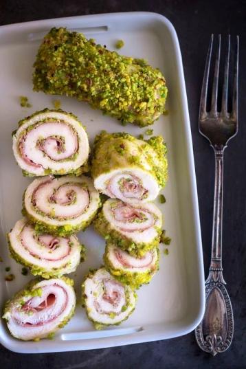 roulade con jamon y pistachos