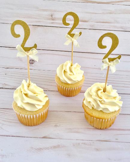 Number+2+Cupcake+topper.png